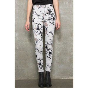NWT BDG High Rise Twig Ankle Floral Skinny Jeans